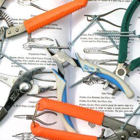 Defining the Craft: The Handtools of CreativeNonfiction
