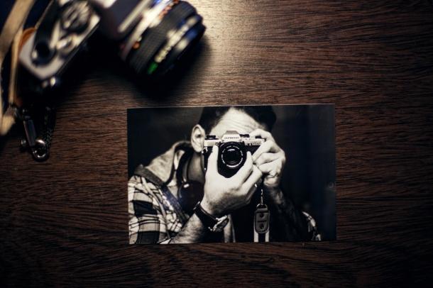 man-person-taking-photo-photographer