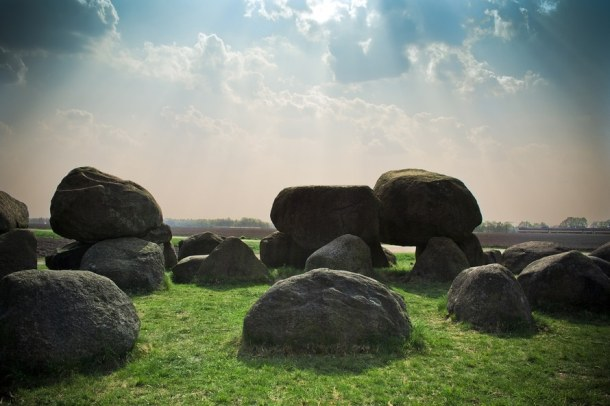 sunny-rocks-meadow-stack-large